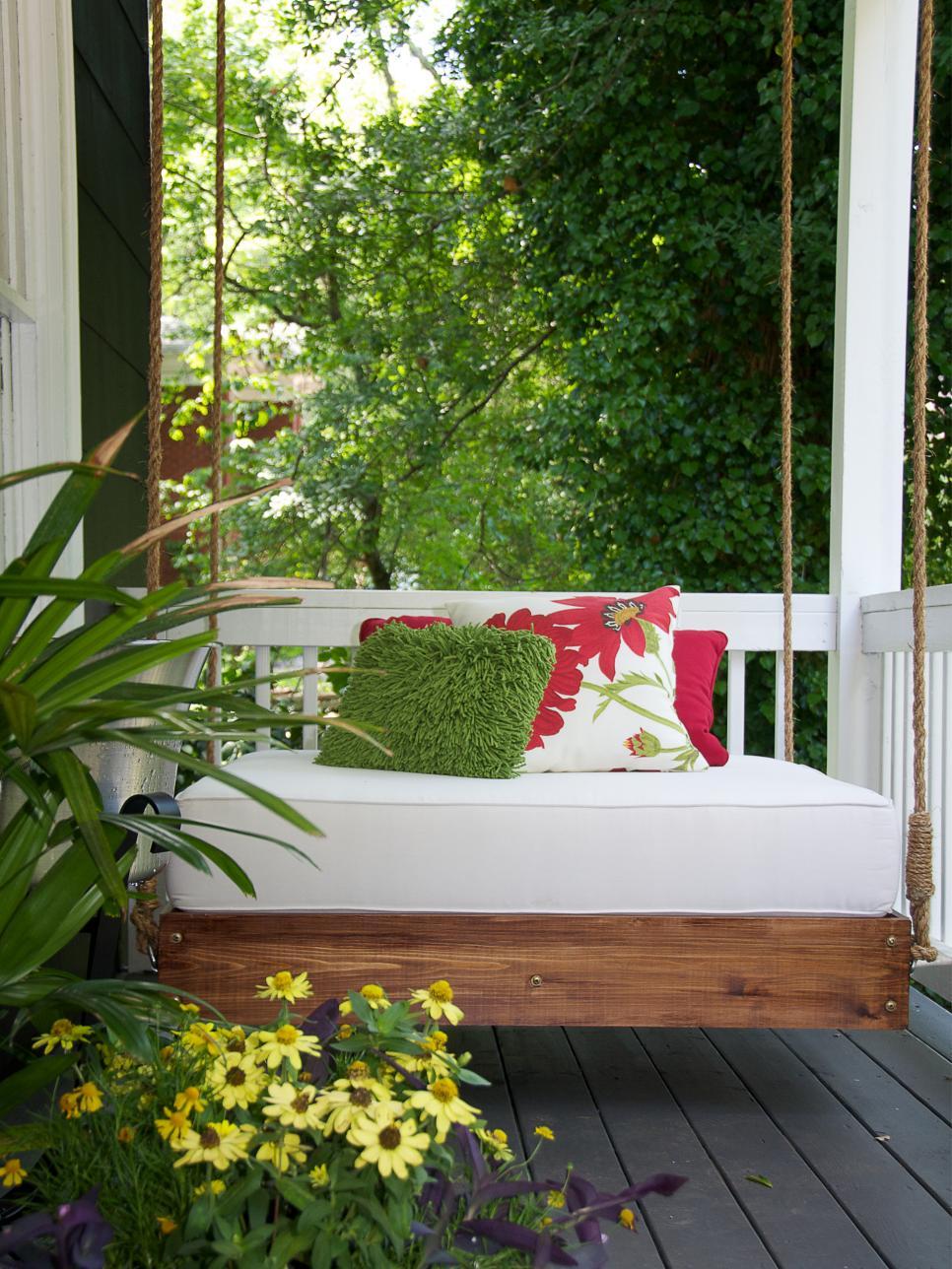 Comment Faire Une Balancelle En Palette détendez-vous sur une balancelle confortable – 100% récup